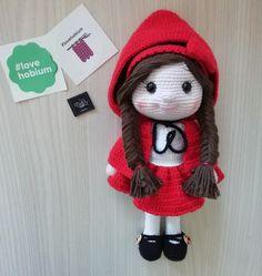 @bella_worlds Winter Hats, Crochet Hats, Fashion, Amigurumi, Knitting Hats, Moda, Fashion Styles, Fashion Illustrations