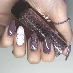 Natural nails with Bluesky hard gel overlay for strength Bluesky Gel Polish BP07 - Mulberry DC90 - French White @magpie_beauty glitter…
