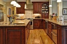 love this kitchen, really like the open hutch idea