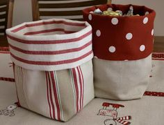 Ikea fabrics Today I have prepared a tutorial to make some very cool fabric bags. These bags are very easy to make, n … Fabric Boxes, Fabric Storage, Bag Storage, Fabric Basket, Storage Boxes, Fabric Crafts, Sewing Crafts, Sewing Projects, Sewing Tutorials