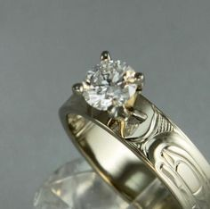 Corrine Hunt, Komoyue and Tlingit: Killer whale ring, white gold with 60 carat diamond