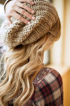 Love this saggy beanie perfect for running late to class and no time to style!