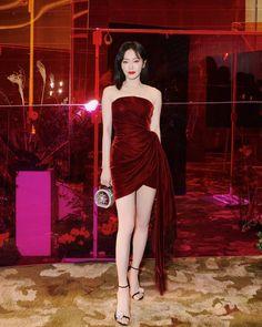 Like Beauty Life fo Keep Cover Korean Fashion Dress, Kpop Fashion Outfits, Korean Dress, Ulzzang Fashion, Stage Outfits, Classy Outfits, Pretty Outfits, Pretty Dresses, Beautiful Dresses
