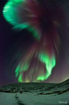 Un'incredibile aurora boreale nel cielo della Norvegia