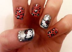 Hello Kitty! I want my nails like this!!!!