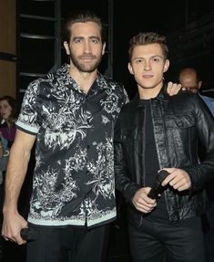 TH & JG down in Mexico City promoting their upcoming movie Spider-Man, Far from Home that comes out this summer Marvel Actors, Marvel Dc, Marvel Comics, Baby Toms, Tom Holland Peter Parker, Men's Toms, Tommy Boy, Man Thing Marvel, Jake Gyllenhaal