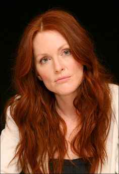 Julianne Moore Please STOP AdBlock Browser plugin to view this pic and support our site!