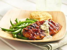 Pollo Asado con Salsas Barbecue y Envuelto en Tocino - Que Rica Vida