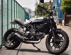 Ducati Scrambler Sixty2, Moto Ducati, Motor Scooters, Full Throttle, Street Bikes, Bike Design, Cool Bikes, Cars And Motorcycles, Motorcycles