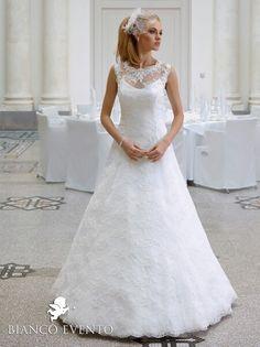My dress by Bianco Evento. I love it!