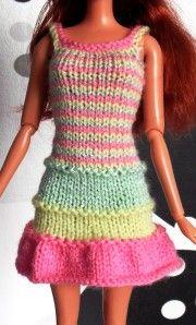 Bonjour et bienvenue à tous ! Ici vous pourrez voir mes créations pour Barbie, au tricot. J'espère que cette visite vous sera agréable.