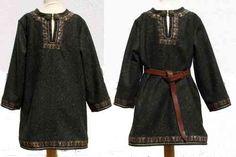 Kurze Cotte mit Borten verziert 12th Century, Irish, Kimono Top, Shirts, Tops, Women, Fashion, Figurine, Moda