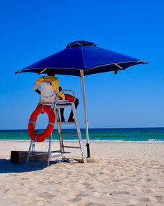 Lifes a Beach Salalah Oman. #Beautiful #Dhofar #Coast #oman #sea #ocean #paradise #fuji #fujifilm #fujixt2 #lifesabeach #lifeguard #parasol