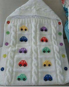 Knitted Overalls Blanket For Babies – Knitting And We Crochet Teddy, Baby Girl Crochet, Crochet Baby Booties, Baby Blanket Crochet, Baby Boy Knitting Patterns, Knitting Stitches, Baby Patterns, Baby Knitting, Free Knitting