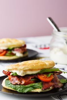 Keto BLT Sandwich With Cloud Bread (Video) — Recipe — Diet Doctor Keto BLT with oopsie bread Keto Foods, Ketogenic Recipes, Low Carb Recipes, Diet Recipes, Healthy Recipes, Ketogenic Diet, Bread Recipes, Keto Meal, Naan Sans Gluten
