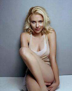 Scarlett johansen!!