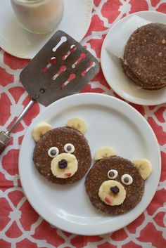 Make fun bear shapes out of this No Bake Cookie Bites recipe!