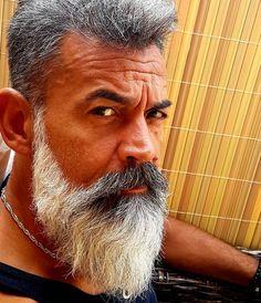 @efendy.ekinm #beautifulbeard #beardmodel #bärtig #baard #bart #barbu #beard #beards #barba #bearded #barbudo #barbeiro #beardo #barber #barbuto #barbershop #barbearia #boroda #sakal #beardstyle #beardgang #skäggig #skägg #graybeard4 #5starb2bm