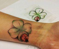 Tattoo Kleeblatt mit Marienkäfer