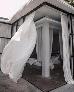 Modern Interior Design, Interior Architecture, Interior And Exterior, Tranquil Bedroom, Hippie Stil, Pretty Bedroom, Dream Apartment, Minimalist Bedroom, Dream Rooms