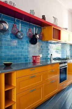 vermelho amarelo azul - cores primárias - cozinha colorida