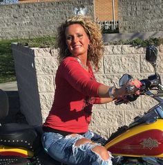 date female motorcycle girls in your city, bikerdatingsites.biz is the top biker dating reviews site for single biker women and guys. ------- I'm a free loving person very easy to get along with find all kinds of people interesting. Love to go for a ride on my bike or yours and listen to music most of all .Would like to make new friends and have new experiences and maybe some long term company on this road through life!!!!! Lol!!!! looking to connect with a cool guy humorous and likes to ge
