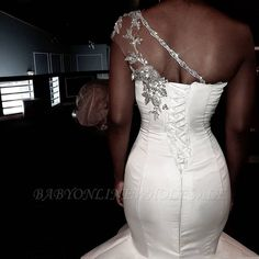 African One-Shoulder Wedding Dresses Mermaid Beaded Lace Up Plus Size Bridal Gowns Bride Dress Robe De Mariee 2020 Beaded Wedding Gowns, Stunning Wedding Dresses, Bridal Gowns, Wedding Corset, One Shoulder Wedding Gowns, Afro, Event Dresses, Weding Dresses, Dress Robes