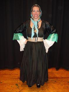 Μία παραλλαγή της παραδοσιακής γυναικείας ενδυμασίας της Εύβοιας - A variation of the women's traditional Greek folk costume of the island of Euboea. Folk Costume, Costumes, Greeks, Dancer, Dresses, Fashion, Vestidos, Moda, Dress Up Clothes