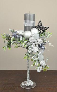 TOP 15 oryginalnych stroików świątecznych – niepowtarzalna dekoracja do salonu