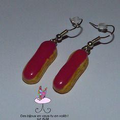 Boucles d'oreilles éclair nappage fuchsia, bijoux gourmands fimo. Polymer clay. http://des-bijoux-en-veux-tu.alittlemarket.com
