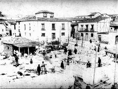 Salamanca en el ayer: Calle Toro Sorrento, Plaza, Abstract, Artwork, Painting, Arched Doors, Savings Bank, Brick And Stone, Lions Photos