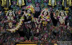 To view Radha Gopinath Lalita Vishakha Wallpaper of ISKCON Chowpatty in difference sizes visit - http://harekrishnawallpapers.com/sri-sri-radha-gopinath-lalita-vishakha-wallpaper-003/