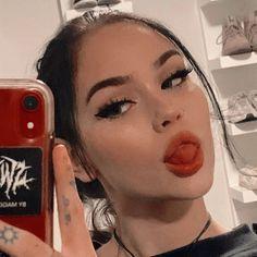 Aesthetic People, Bad Girl Aesthetic, Icons Girls, Poses Photo, Maggie Lindemann, Western Girl, Selfie Poses, Insta Photo Ideas, Grunge Girl