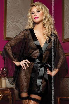 Seducente kimono in morbidissimo pizzo nero  ''Secret Affair''  della meravigliosa collezione firmata Seven'til Midnight Lingerie.
