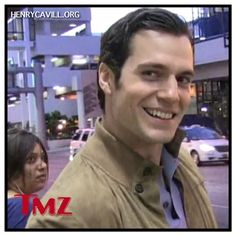 Henry Cavill Arrives at LAX and is nabbed by the TMZ crew: http://henrycavill.org/en/blog/photo-shoots/item/948-henry-cavill-arrived-to-lax  #BatmanvsSuperman