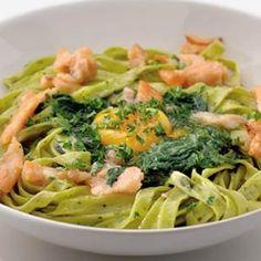 Pasta met spinazie, zalm en ei