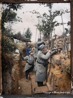 Albert Kahn's photographers even visited the trenches and took photos of French soldiers just days before the infamous Battle of the Somme in 1916. The battle was one of the largest of World War I: more than 1,000,000 men were wounded or killed.