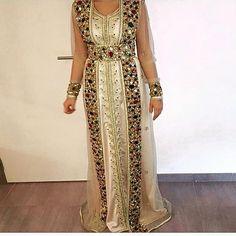 Découvrez en ligne sur notre boutique de vente caftan Marocain : caftan-fatimazahra.com , un très large choix de tenues traditionnelles M...