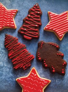 Chocolate Spice Cookies: These festive cookies make the perfect holiday gift. Chocolate Spice Cookies: These festive cookies make the perfect holiday gift. Spice Cookies, Yummy Cookies, Sugar Cookies, Delicious Cookie Recipes, Fun Easy Recipes, Dessert Recipes, Holiday Cookies, Holiday Treats, Holiday Recipes