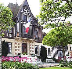 Deauville: City Hall