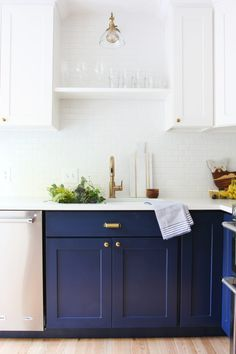 46 Elegant Navy Kitchen Cabinets For Decorating Your Kitchen. Kitchen cabinet colors have come a long way since your mother's kitchen. Today kitchen, or bath, cabinets can be almost any color or woo. Two Tone Kitchen Cabinets, Espresso Kitchen Cabinets, Kitchen Cabinet Colors, Painting Kitchen Cabinets, Kitchen Paint, New Kitchen, Kitchen Decor, Blue Cabinets, Countertop Paint