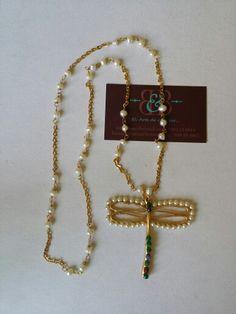 Libélula con perlas