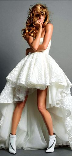 GIAMBATTISTA VALLI Couture on Model Gisele Bündchen, photographers Inez & Vinoodh for Vogue, Paris, November 2013 ❤❥*~✿Ophelia Ryan✿*~❥❤