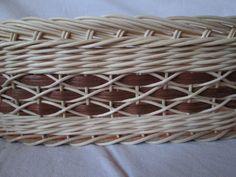 Všetvoření.cz - Pletení z pedigu - Diamantová vazba Baskets On Wall, Wicker Baskets, Gift Baskets, Sewing Baskets, Flower Girl Basket, Basket Decoration, Wicker Furniture, Easter Baskets, Cozy House