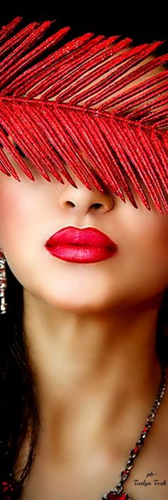 Fashion Editorial Face Red Lips Ideas For 2019 Perfect Red Lips, Colors Of Fire, Girl Sketch, Beautiful Lips, Classy Casual, Lip Service, Photography Projects, Ana White, Interesting Faces