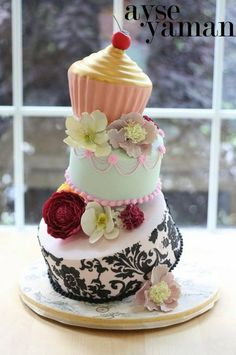 Topsy Turvy Giant Cupcake