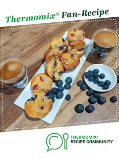 Recipe Streusal Berry Muffins by Rustic Apron, learn to make this recipe easily in your kitchen machine and discover other Thermomix recipes in Baking - sweet. Mini Muffin Pan, Muffin Mix, Berry Muffins, Mini Muffins, Muffin Recipes, 4 Ingredients, Finger Foods, Food Print, Sweet Recipes