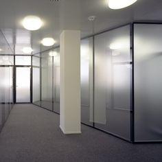 Postfinance Basel, Glastrennwandsystem SWISSDIVIDE mit satiniertem Glas