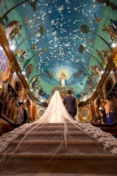 Casamento clássico: Thais & Marcos - Inesquecível Casamento Cathedral Church, Cathedrals, Outdoor Furniture, Outdoor Decor, Amazing, Weddings, Couple, Wedding, Interiors