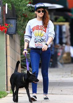 Kristen Stewart Dog Walking